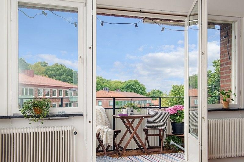 北欧风格玻璃门图片 阳台玻璃门效果图